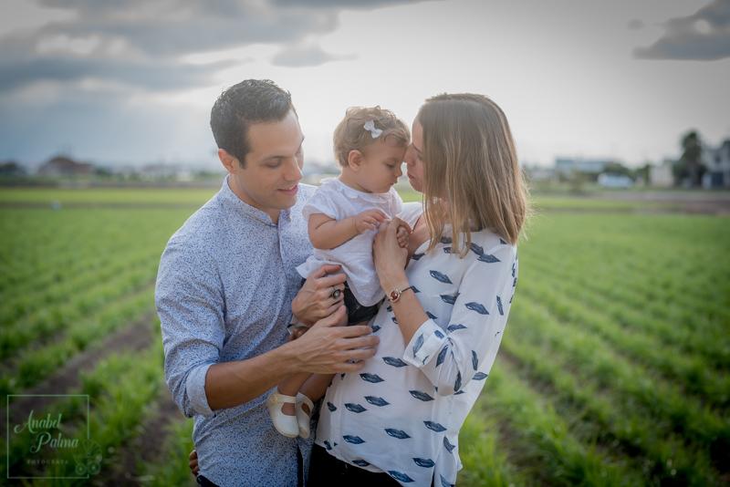 fotografos-newborn-valencia-bebes-embarazada-anabel palma-fotografa-reportajes-boda-valencia-fotografos-comunion